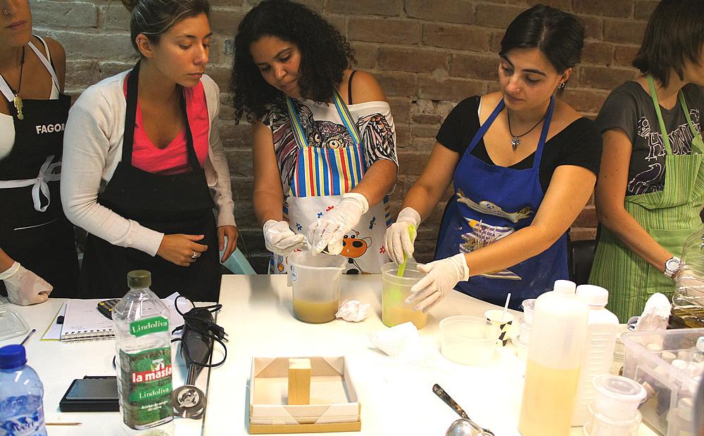 taller  de jabones naturales artesanos by chela
