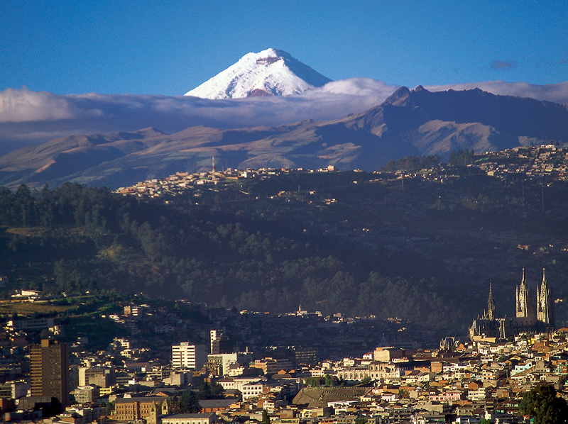 Quito-Ecuador-Wallpaper